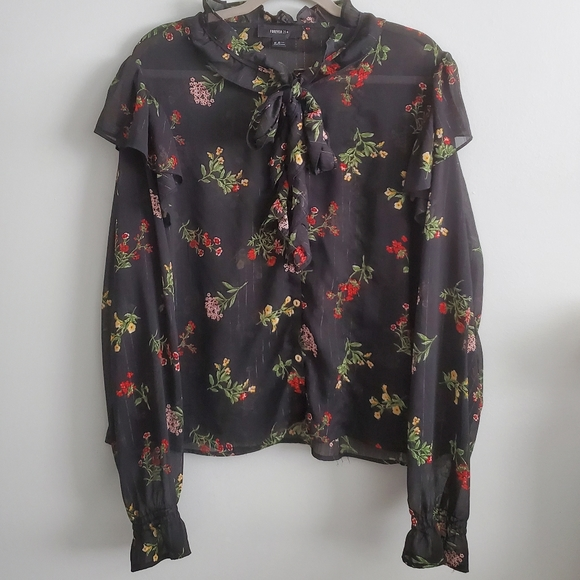 Forever 21   3X   Floral Sheer Blouse